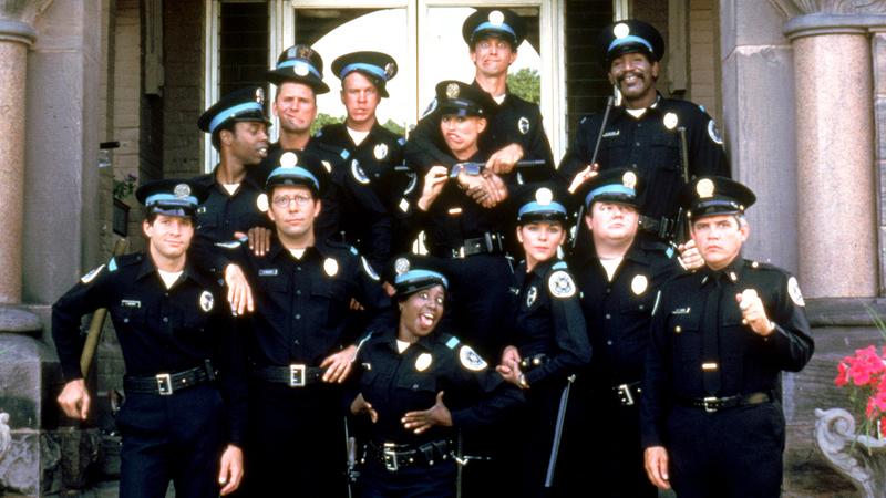 """""""Academia de Polícia"""" faz 35 anos: como estão os recrutas mais malucos do cinema?"""