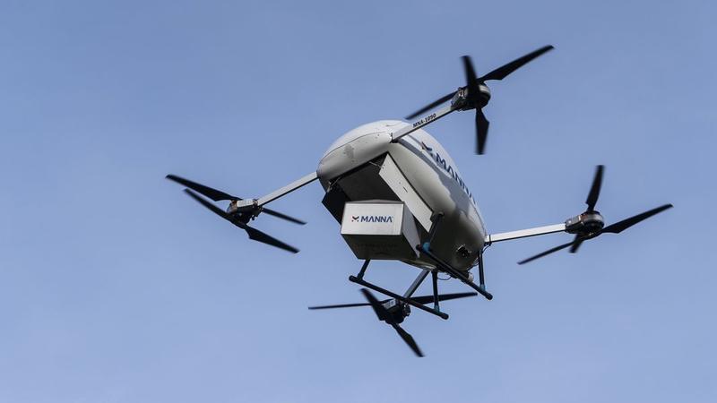 Dos medicamentos às pizzas. Como os drones estão a chegar às populações rurais na Irlanda em plena pandemia