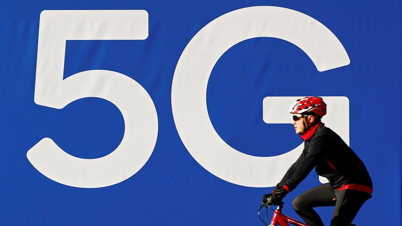"""5G: Governo não quer operadores """"sufocados financeiramente"""" com atribuição de licença"""