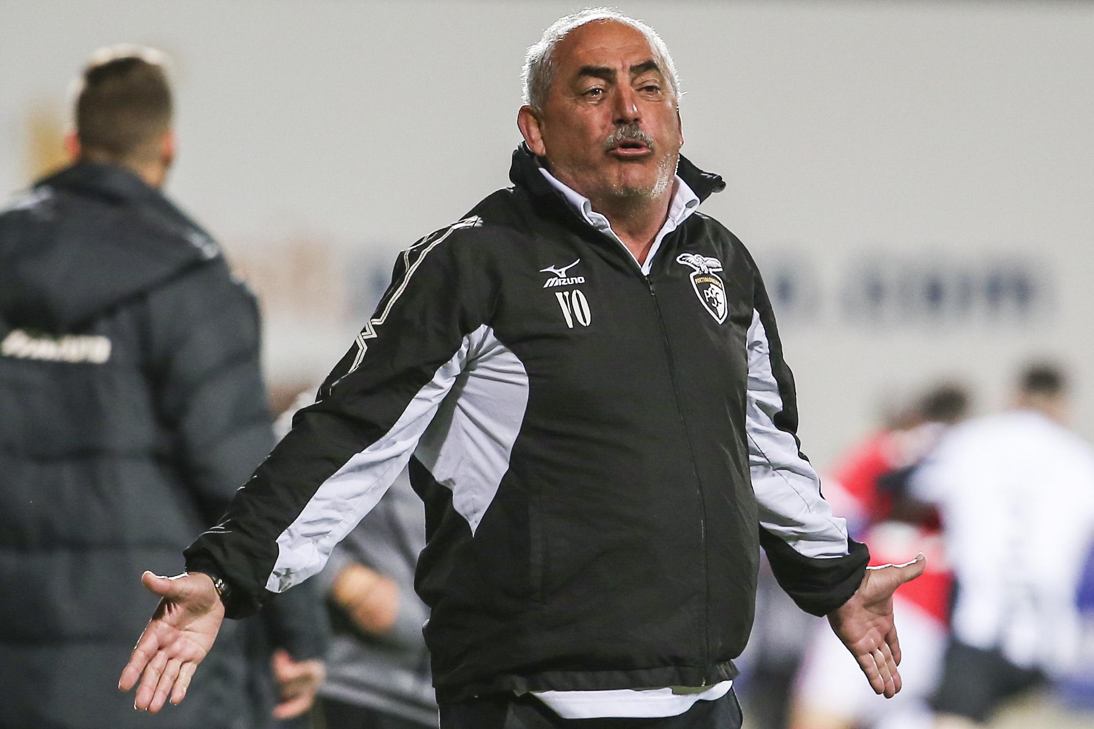 Vítor Oliveira quer provocar surpresa na receção ao favorito FC Porto