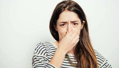 Cheiro mal? 8 coisas que não sabe sobre o odor corporal