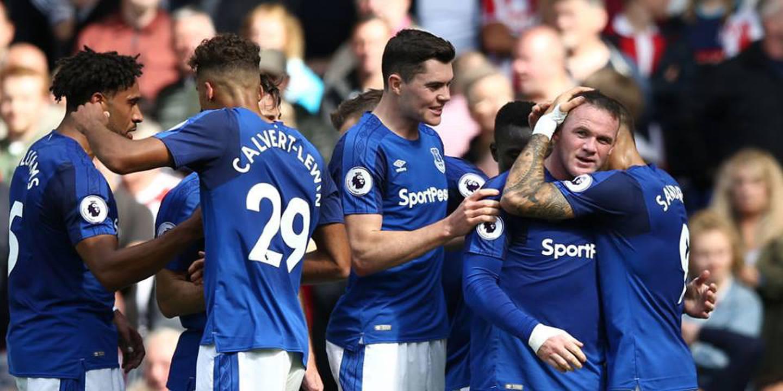 Rooney marca a Ederson e chega aos 200 golos na Premier League