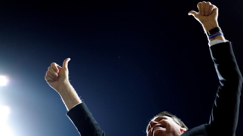 Presidente brasileiro Jair Bolsonaro teve alta após operação e regressa a Brasília