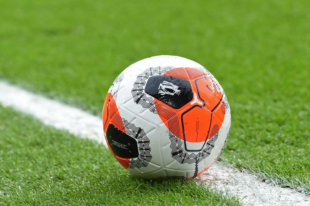 Premier League: Governo dá 'luz verde' aos treinos em conjunto e com contacto físico
