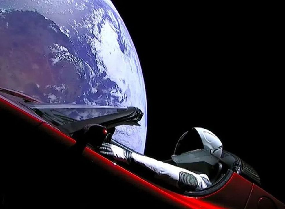Por onde anda o Tesla Roadster que foi à boleia do Falcon Heavy para o espaço?