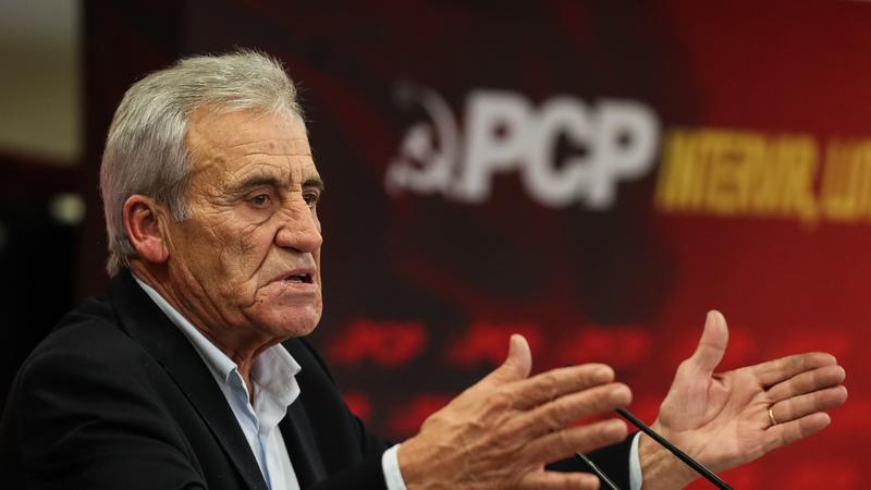 """Orçamento do Estado para 2020 """"não deve desistir do país"""", defende o PCP"""