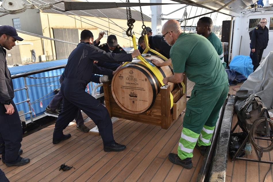 Vinho de Carcavelos vai dar a volta ao mundo a bordo da Sagres