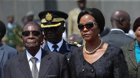 Partido no poder exonerou Robert Mugabe da liderança do Zimbabwe