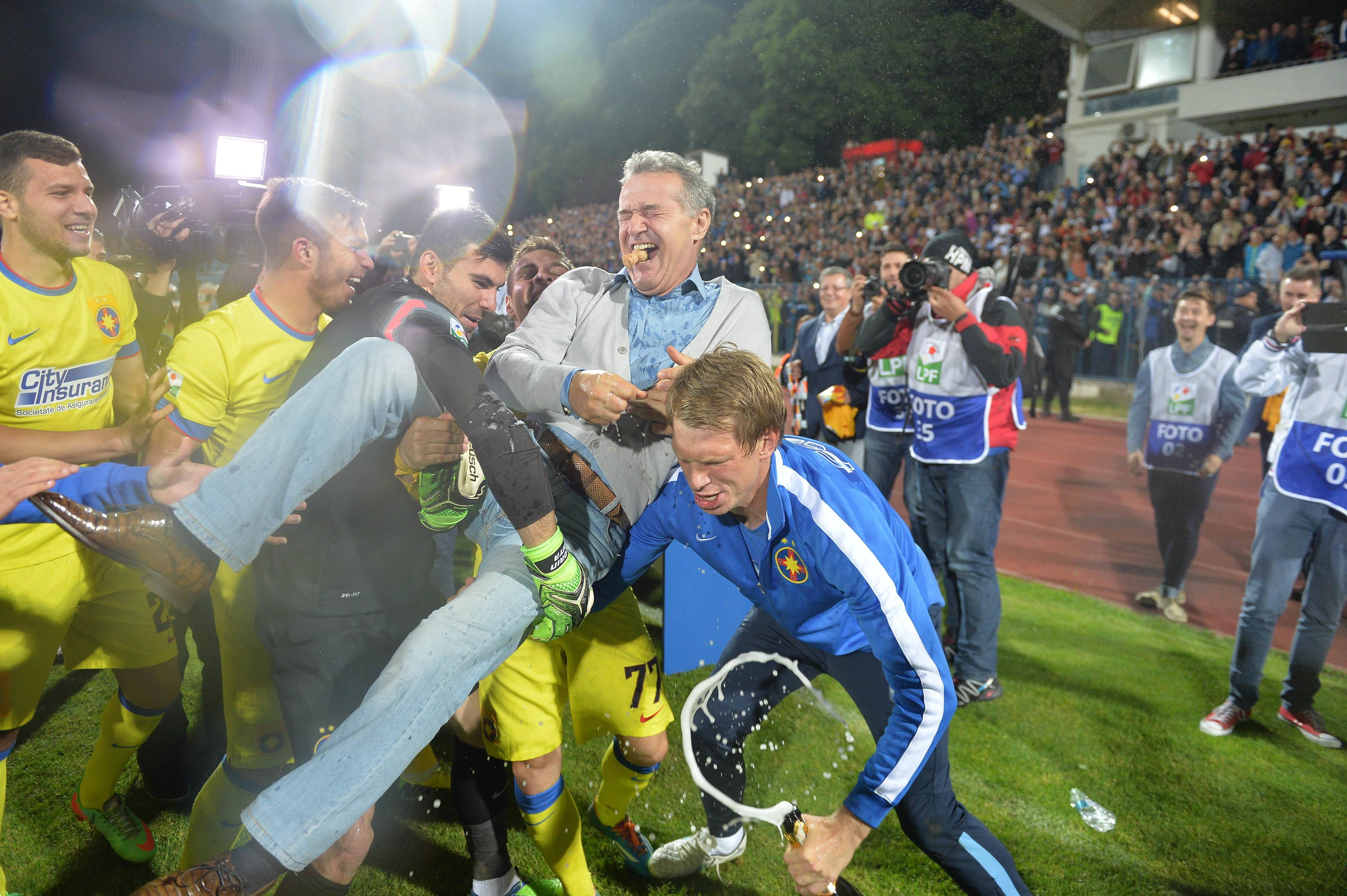 O Vitória de Guimarães foi a mais recente 'vítima' de Gigi Becali, o polémico presidente do Steaua. Mas há mais