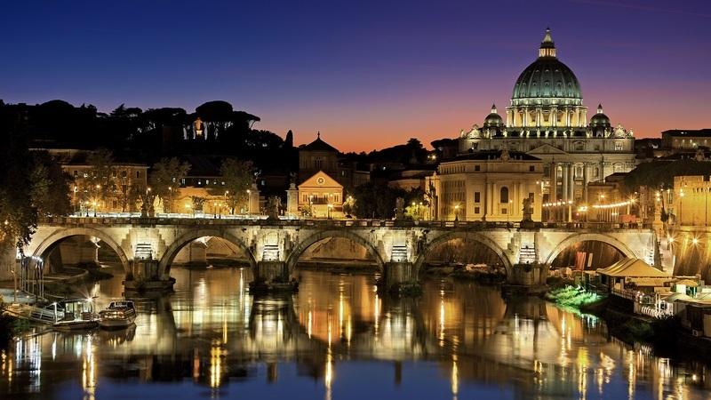 Sete razões para amar Roma. Depois de ler, também vai apaixonar-se
