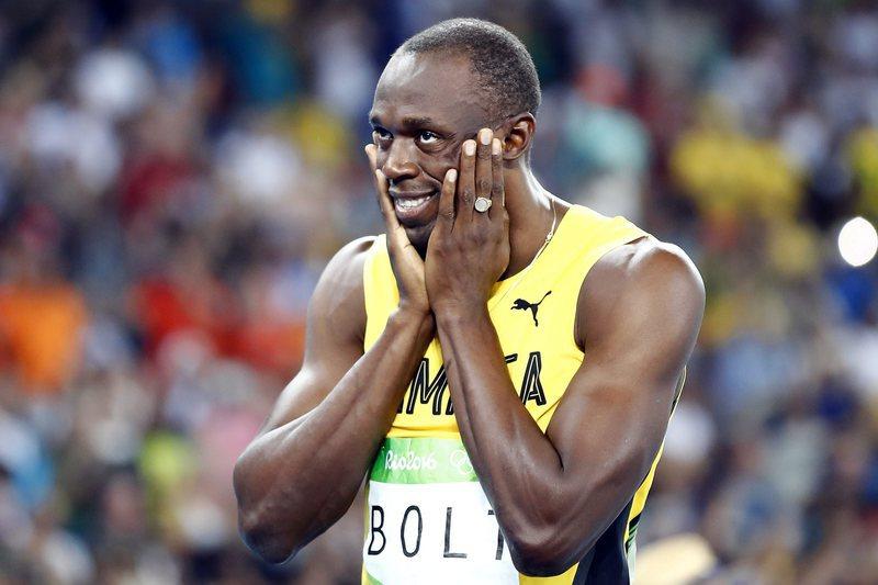 Sapatilha autografada por Bolt arrematada por 16 mil euros
