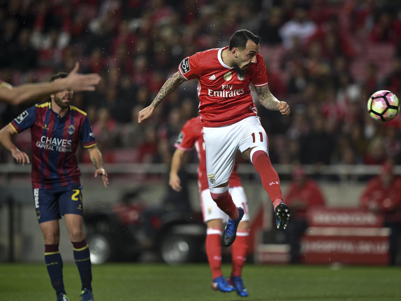 Benfica vence Chaves e segura liderança do campeonato