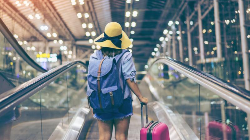 Saiba como evitar as taxas no seu  bilhete de avião