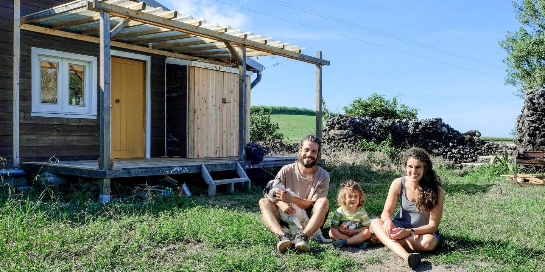 Sem fundamentalismos, Ricardo, Mafalda e Joaquim construíram uma casa autossuficiente