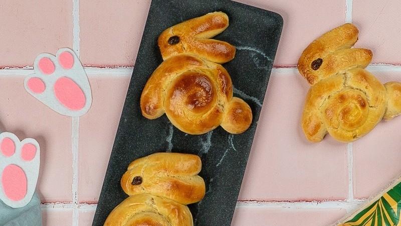 Divirta-se com os mais novos e faça estes pães em forma de coelho