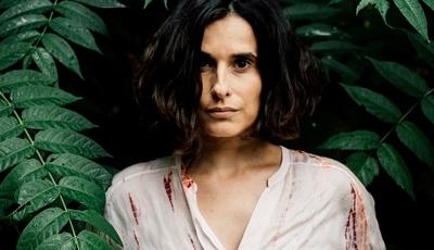 """Cristina Branco chamou Filho da Mãe, Mário Laginha e Kalaf para álbum que é """"uma libertação"""""""