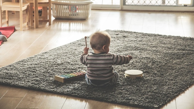 Aprenda quais as melhores brincadeiras para fomentar o desenvolvimento do seu filho