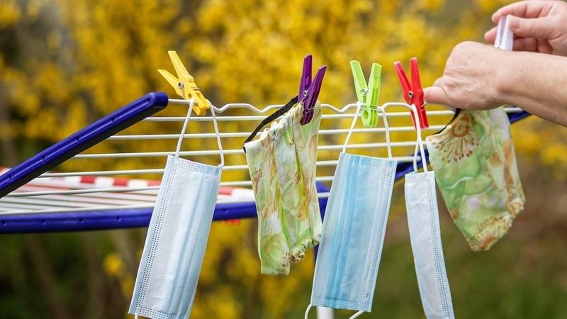 Como desinfetar a roupa? As recomendações da Direção-Geral da Saúde