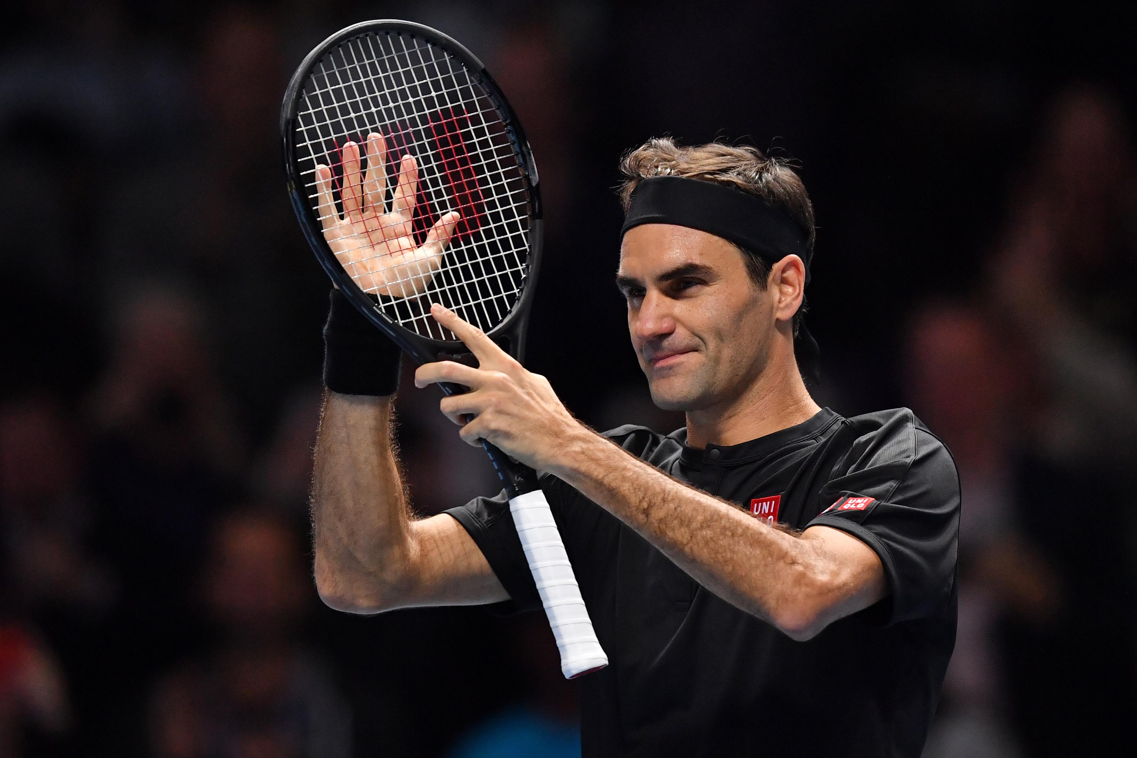 Federer acredita que regresso do circuito ATP está longe e aconselha principais torneios a esperarem pelos adeptos