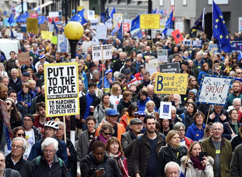 Um milhão de manifestantes contra o 'Brexit' desfilaram em Londres