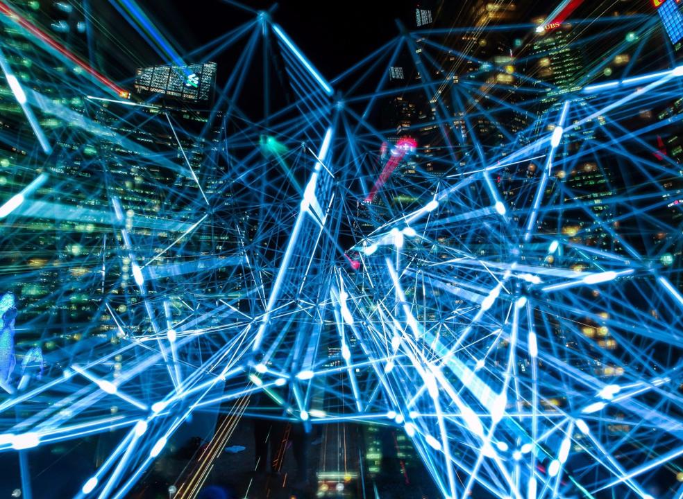 Riscos tecnológicos no Top 5 das ameaças prováveis para 2018
