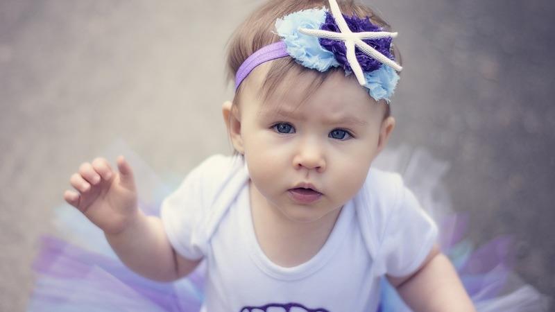 Os presentes que deve evitar oferecer a um bebé