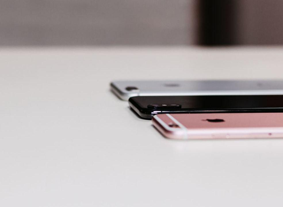 Utilizadores de iPhone vão poder escolher entre autonomia ou desempenho