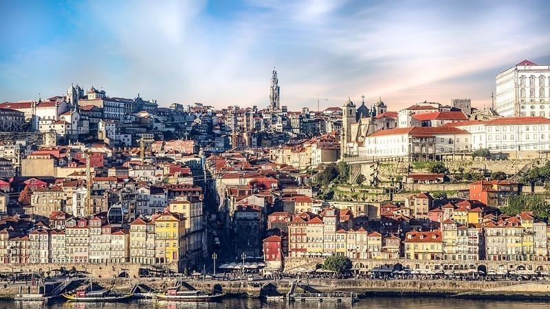 Revista pede aos espanhóis para invadirem o Porto