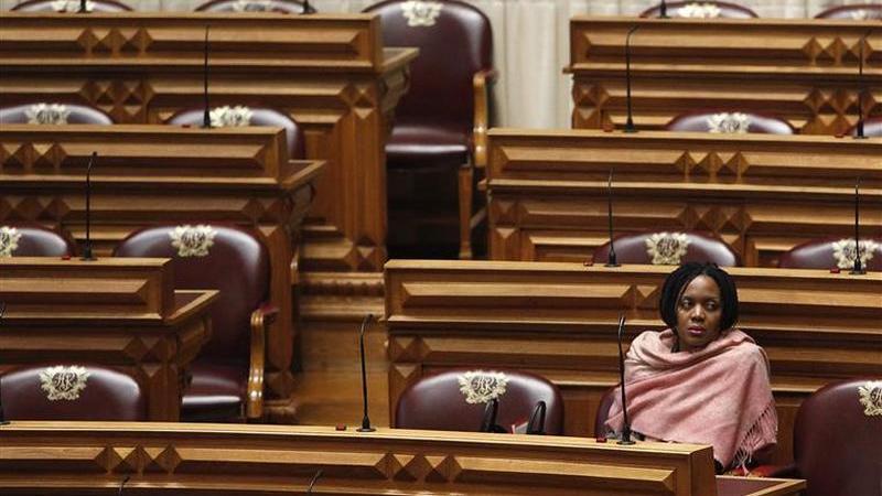 Livre: decisão sobre retirada de confiança política em Joacine adiada para quinta-feira