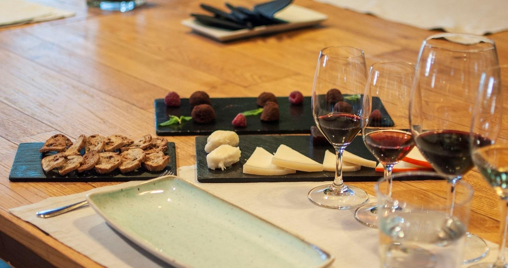 Em Gaia, o VINUM Restaurante & Wine Bar ensina-nos a escolher o prato perfeito para cada vinho