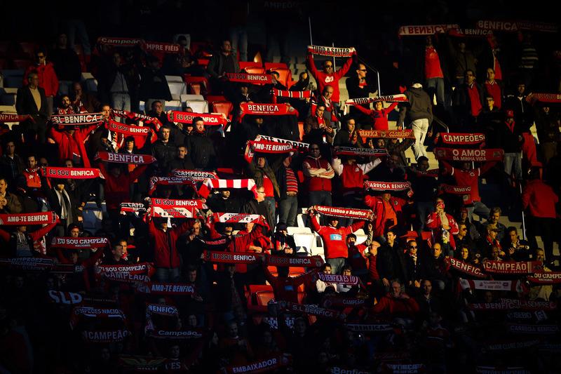 Benfica com casa cheia para a receção ao Estoril