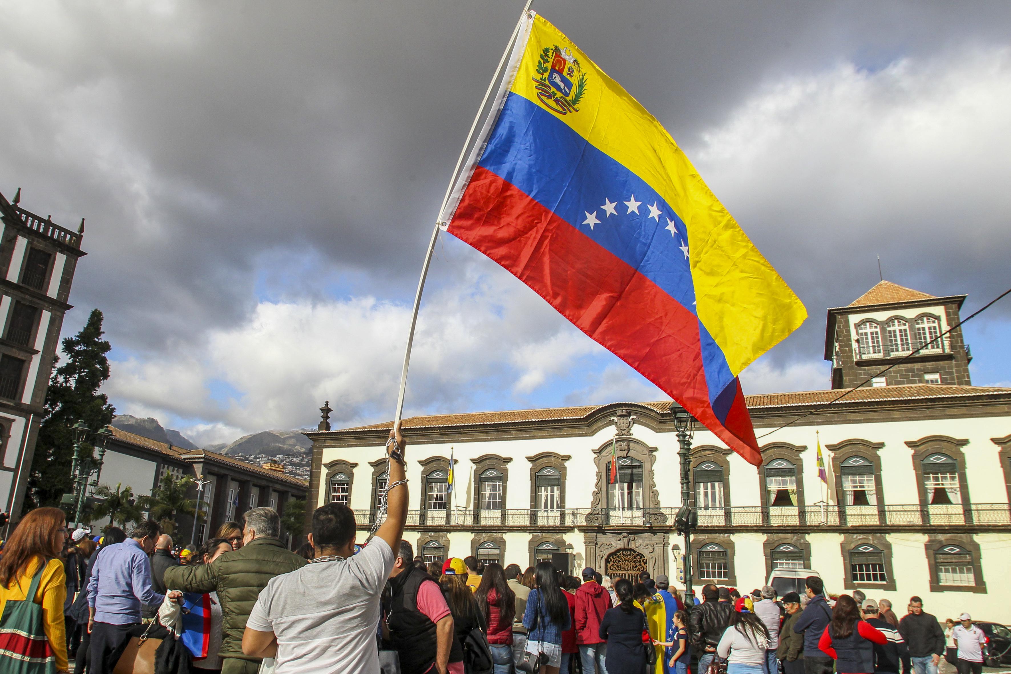 Venezuela: Cerca de 3,4 milhões de pessoas saíram do país desde início da crise, diz a ONU