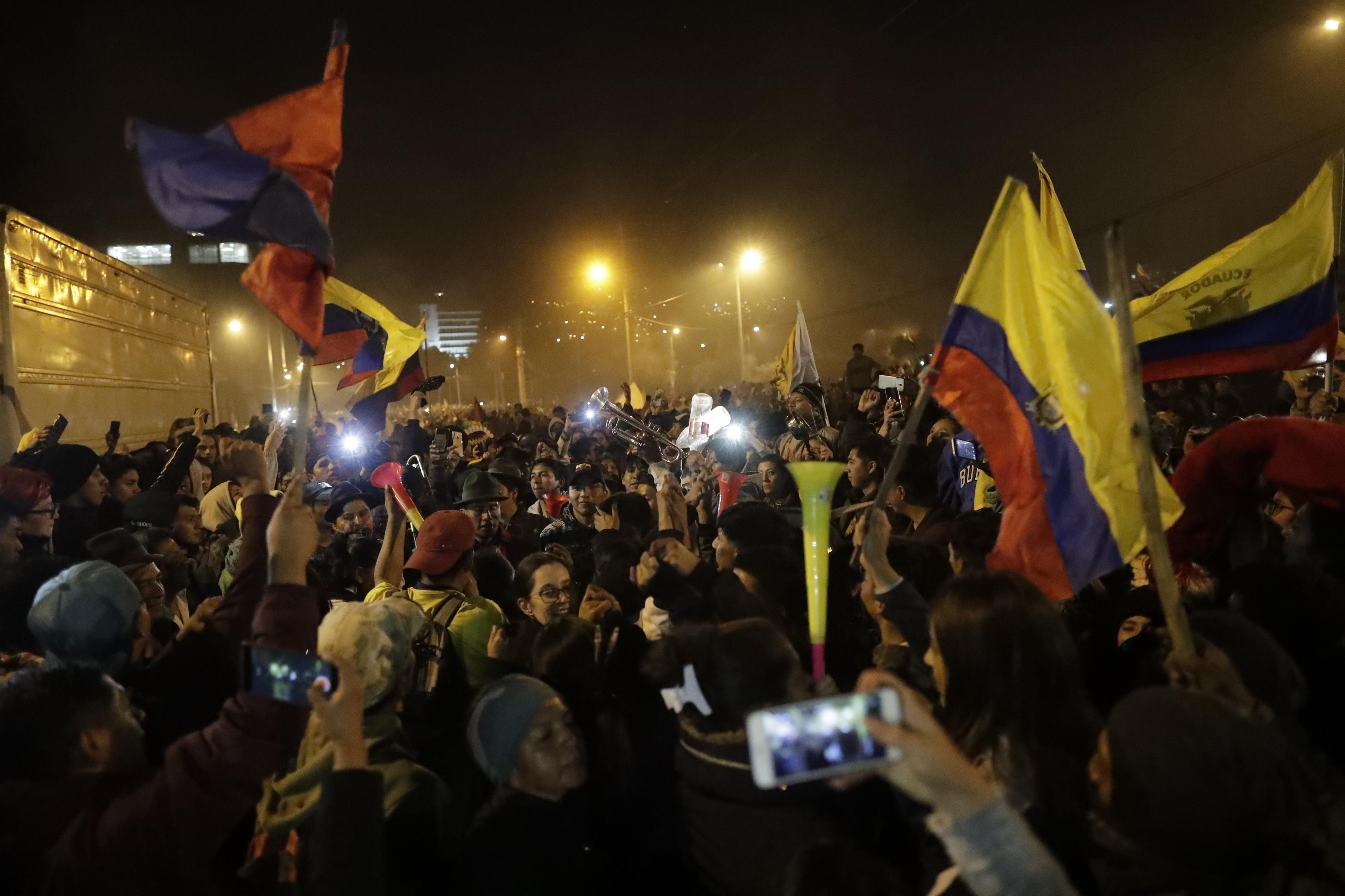 Governo do Equador e movimento indígena chegam a acordo: Revogado o decreto 883 que eliminou o subsídio ao combustível