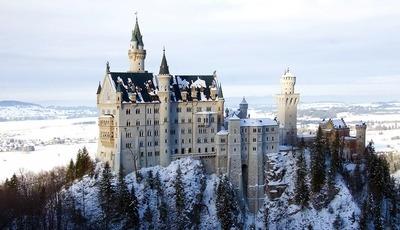 Conhece este castelo de conto de fadas? Não é assim tão longe e é mesmo de encantar