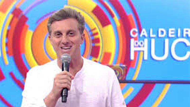 """Estrela brasileira de TV Luciano Huck comprou um jato com fundos """"abocanhados"""" ao Estado brasileiro?"""