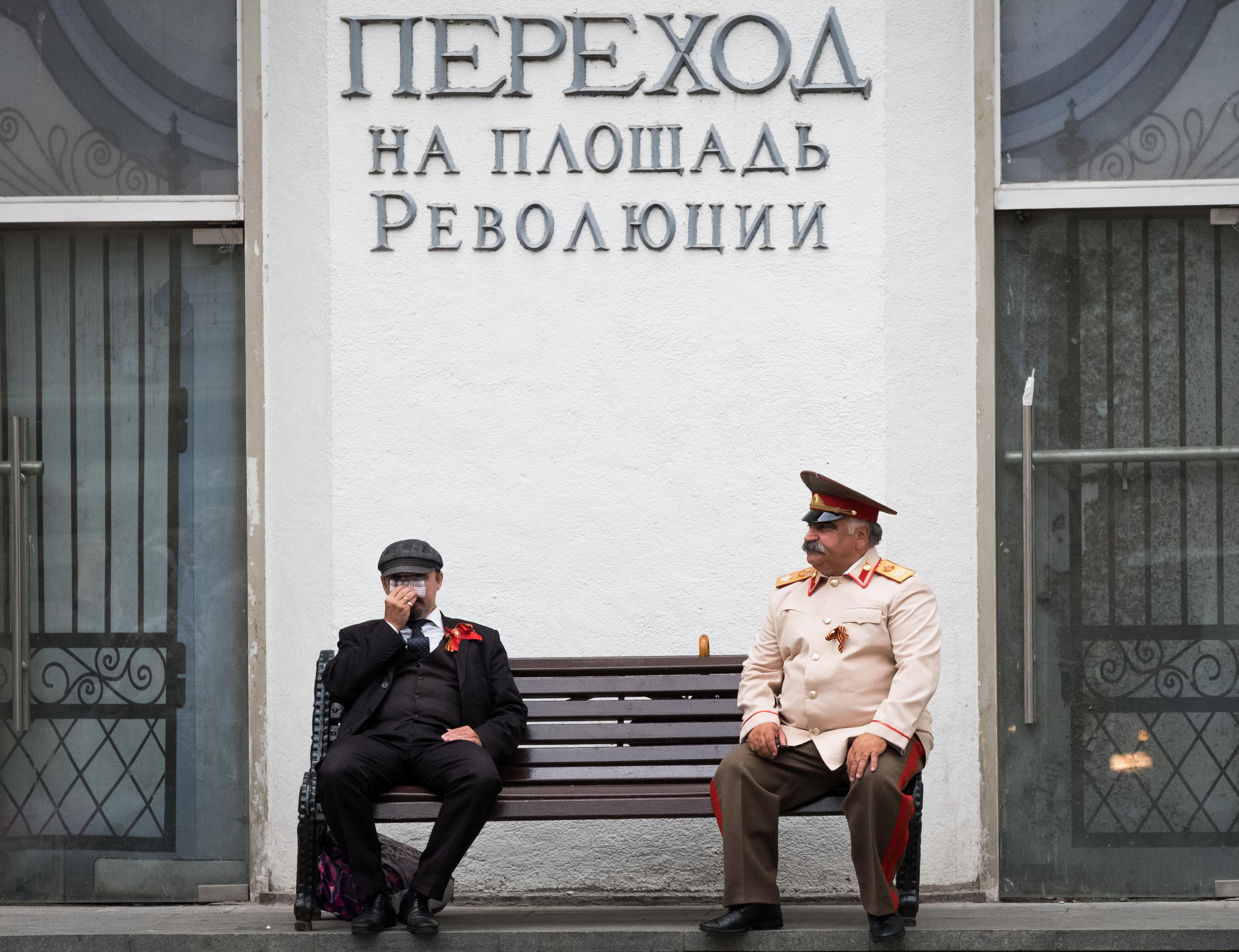 Cem anos depois, o que sobra da Revolução Russa? As respostas de D. Manuel Clemente a Francisco Louçã