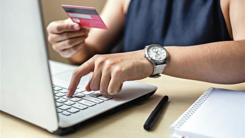 Compras online. Portugueses cada vez mais rendidos mas queixas também sobem
