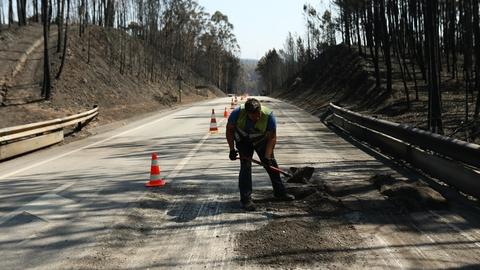 Reparações na EN 236 vão demorar uma semana. Muitos dos técnicos têm familiares entre as vítimas