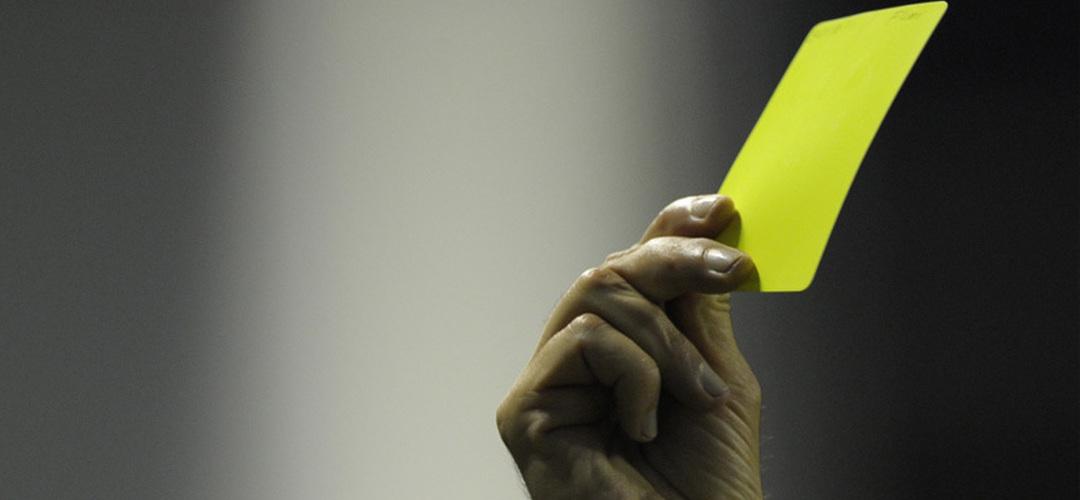 Substituições e cartões para o banco de suplentes entre as mudanças na arbitragem
