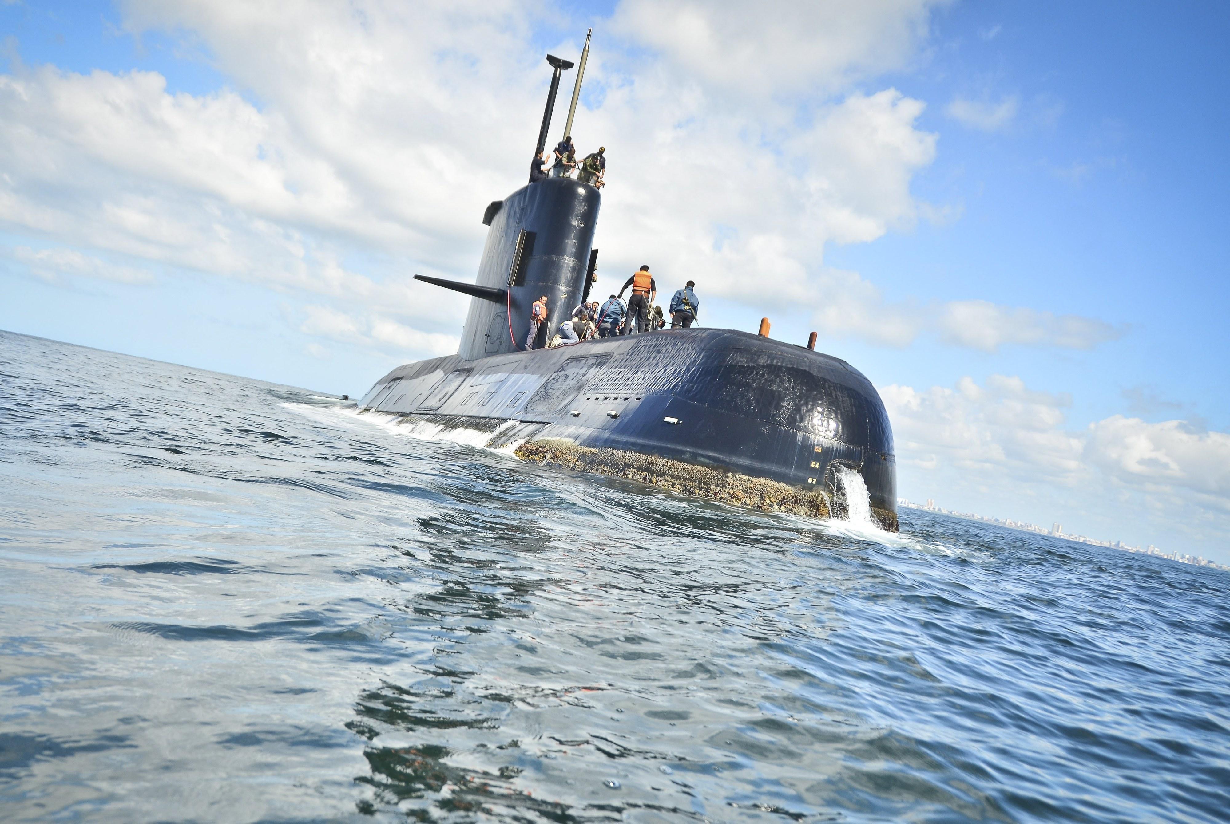 Argentina: Armada deteta sinais que podem ser de submarino desaparecido