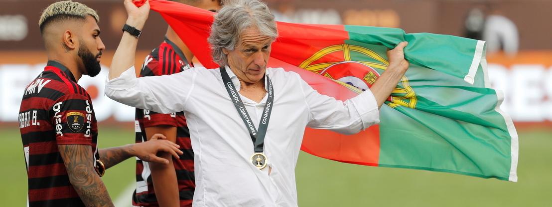 Mais um triunfo para Jorge Jesus: técnico vence o prémio de Treinador do Ano no Brasil
