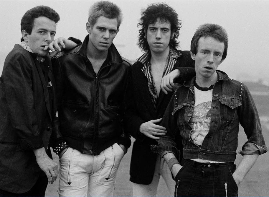 """Há 40 anos, os Clash editavam """"London Calling"""". E o punk nunca mais foi o mesmo"""