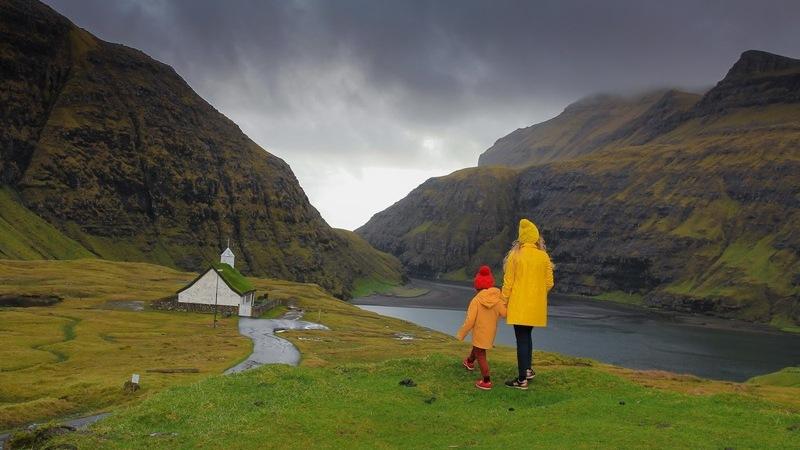12 factos sobre as Ilhas Faroé. Da prisão mais bela do mundo às casas com telhados de relva