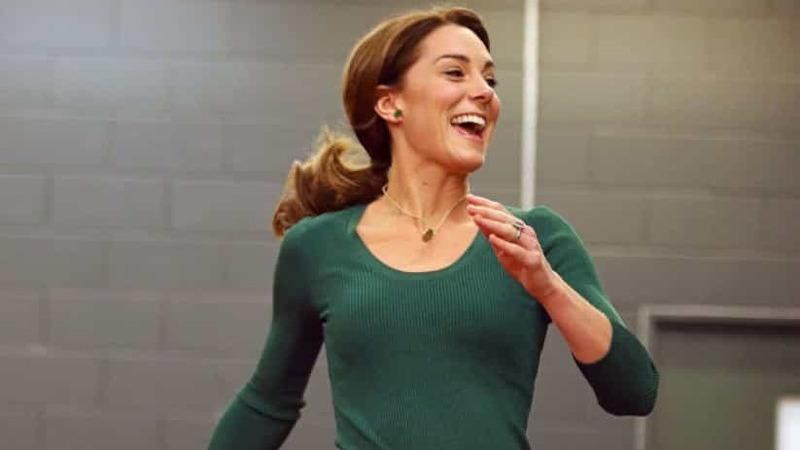 Até a fazer uma corrida, Kate Middleton deslumbra todos os presentes