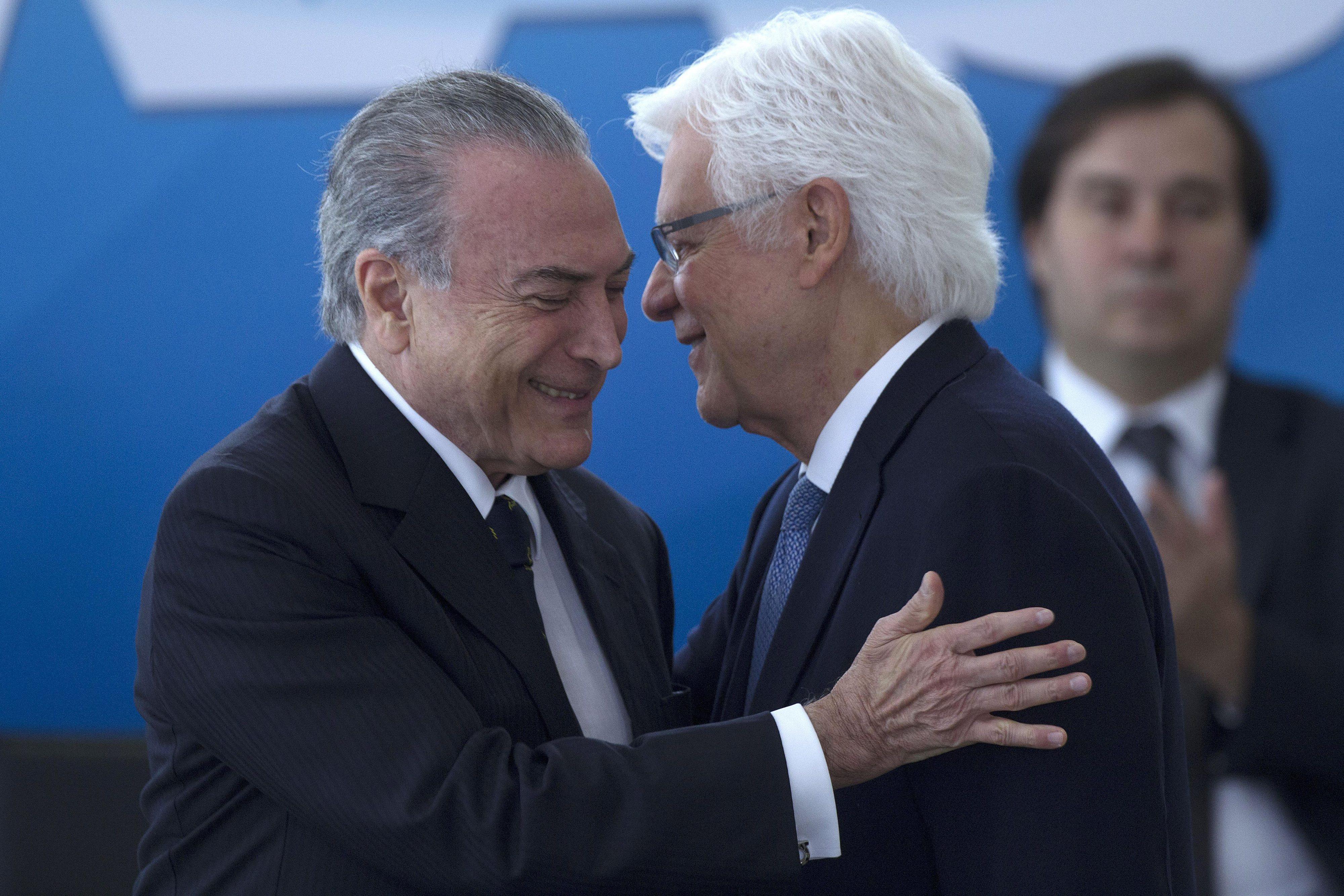 Comissão de Ética vai investigar três ministros brasileiros citados no escândalo de corrupção
