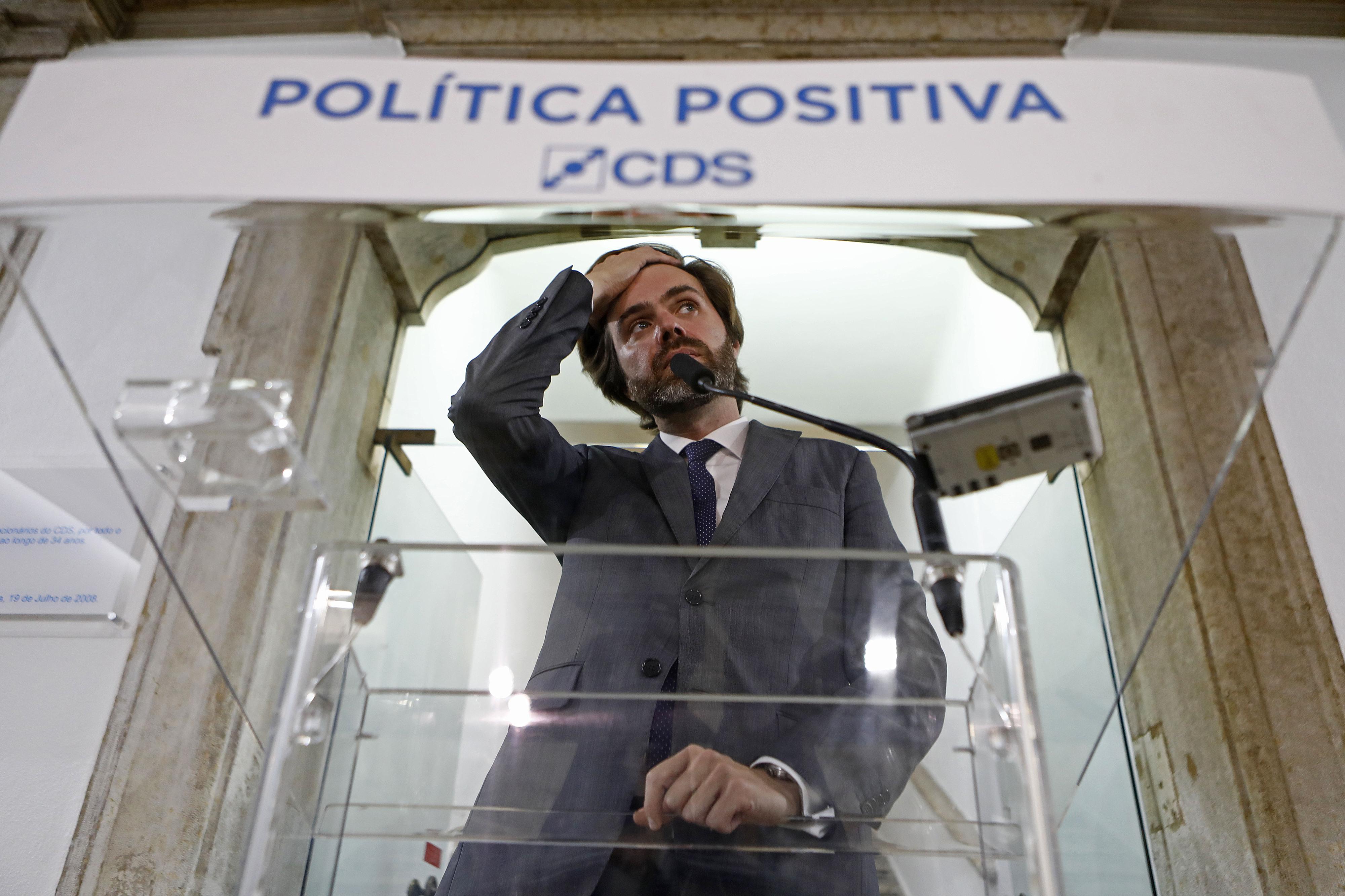 """CDS: João Almeida recusa disputar """"campeonato dos pequeninos"""" e de """"quem grita mais alto"""""""