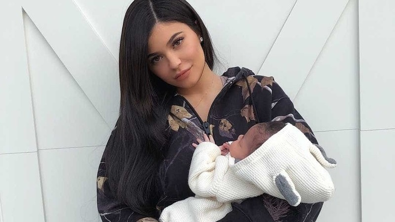 'Obcecada' com o germes, Kylie criou regras para amigos visitarem a filha
