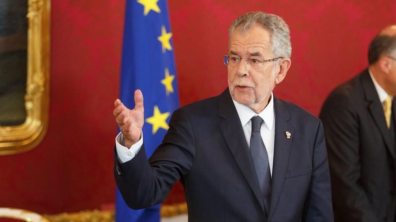 Chanceler austríaco aprovou novo Governo formado com ultranacionalistas
