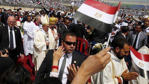 O filme da viagem do Papa ao Egito