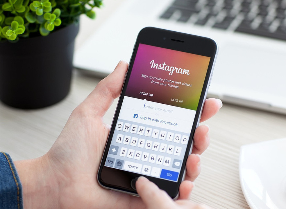 Instagram testa funcionalidade que esconde os hashtags das mensagens